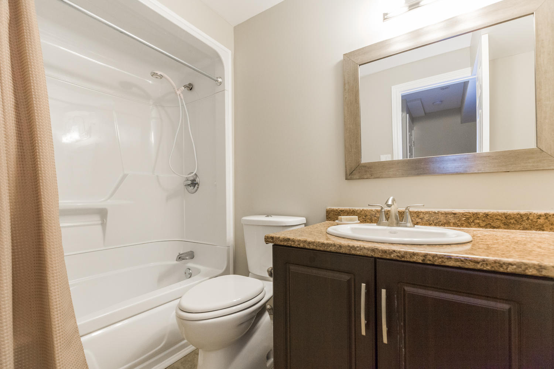 325 Mirabeau Terrace Ottawa On Large 038 29 Lower Level Bathroom 1500 1000 72dpi