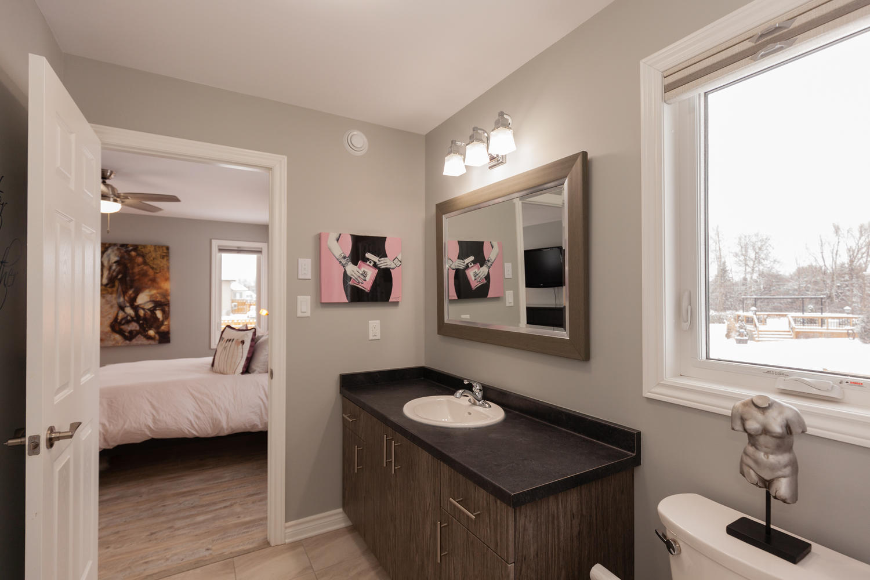 3406 Summerbreeze Rd Ottawa ON-large-012-4-Master Bedroom Ensuite ...